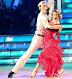 R5 frontman Riker Lynch and his partner Allison Holker lost almost half of their rehearsal time during DWTS week 6 because they had to change their song last-minute.