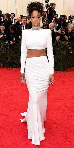 Rihanna en los Met Gala 2014 #redcarpet #fashion #celebrity