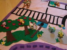 DIY Felt Play Mat for Littlest Pet Shop - still need to make this and one for mini Lalaloopsies too!!