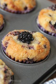 Low-Carb Keto Blackberry Muffins | The Happy Housie No Carb Recipes, Healthy Low Carb Recipes, Low Carb Desserts, Low Carb Keto, Diet Recipes, Diet Meals, Diet Foods, Snack Recipes, Dessert Recipes