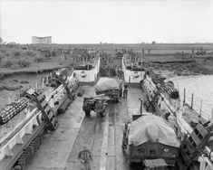 Unloading a landing craft of troops and vehicles of the 15th Indian Corps at Elephant Point, south of Rangoon at the beginning of operation 'Dracula', 2 May 1945. SE 3914