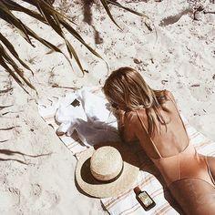 beach babe, beach bum, orange swimsuit, beach day, california girl, fashion blogger, summer style | @jami #beachstylesfashion