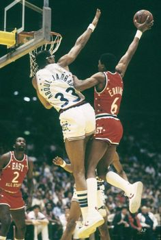 Julius Erving of the Philadelphia drives over Kareem Abdul Jabber of the home team L. Lakers, who was named MVP as the East beat the West at the 1983 NBA All-Star Game from Inglewood, CA Sport Basketball, Basketball Pictures, Love And Basketball, Basketball Legends, Sports Pictures, Basketball Players, Basketball Jones, Tennis Pictures, College Basketball