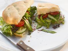 Burgerbrötchen mit Spargel ist ein Rezept mit frischen Zutaten aus der Kategorie Sprossgemüse. Probieren Sie dieses und weitere Rezepte von EAT SMARTER!
