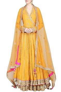 Priyanka Singh Featuring a mustard long kurta in silk base with sequins, dori and resham embroidery. It is paired with matching embroidered dupatta and double layer lehenga skirt in cotton base. India Fashion, Look Fashion, Fashion Online, Lehenga Skirt, Lehenga Style, Indian Attire, Indian Wear, Indian Dresses, Indian Outfits
