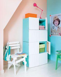 DIY Closet Canvas | Zelfmaakidee: Vakkenkast met deurtjes van canvasdoek Kijk op www.101woonideeen.nl