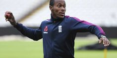 The former England batsman Paul Collingwood feels England should not rely on their entire trust in Jofra Archer. England Cricket Team, James Anderson, British Sports, Latest Technology News, Cricket News, All About Eyes, Archer, Things That Bounce, Ash