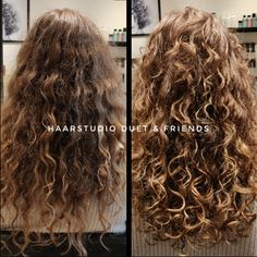 Voor na, before after, krullenknippen. Krullen geknipt bij krullenkapper Haarstudio DUET & friends te Hengelo. hairstyles. Na het krullenknippen haar krullen verzorgd met eigen CG producten, echt een prachtig resultaat. Dit is natuurlijk krullend haar, geen permanent en NIET geknipt met de Curlsys methode van Brian Mclean, model is geknipt door krullenkapper, krullenspecialist, allround hairstylist. Marjan van Haarstudio Duet & friends in Hengelo. www.haarstudioduet-friends.nl Perm, Bob, Curls, Dreadlocks, People, Long Hair Styles, France, Split Ends, Medium Length Cuts