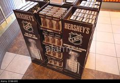 A block of Hershey's chocolate bars in the flagship store at Niagara Falls DYMHW5 : Rights Managed stock photo | Alamy