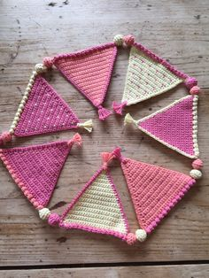 Learn how to make mini bunting with Kate Eastwood's step by step tutorial! Tutti Frutti bunting has sweet little bobbles and tiny tassels too!