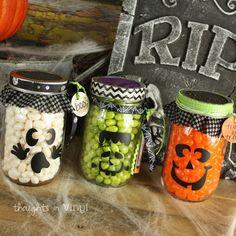 Mason Jar Halloween Decals | Super Saturday Ideas | Halloween Crafts