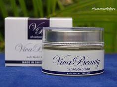 Viva Beauty 24h Nutri Creme bestaat uit een complex van kweepeer en spirulina-alg. De crème hydrateert en versterkt de huid.  Jojoba- en avocado olie in de crème maken de huid soepel en zijdezacht.