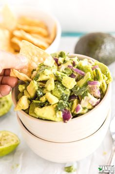 Super easy and always a crowd pleaser, this Chunky Guacamole is naturally gluten-free and vegan! Find the recipe on www.cookwithmanali.com