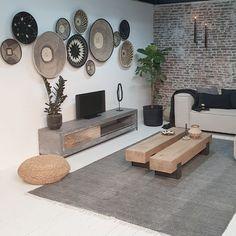Betonnen tv meubel met indutrsiele look