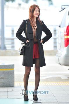 http://okpopgirls.rebzombie.com/wp-content/uploads/2012/11/SNSD-Yoona-airport-fashion-oct-31-6.jpg