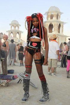 #Burning #Man #Festival - belle festivalière du désert