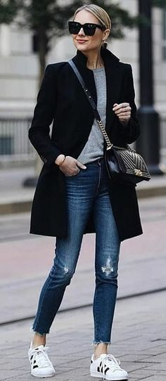 black coat and grey crew-neck shirt with b.- black coat and grey crew-neck shirt with blue denim jeans. Pic… black coat and grey crew-neck shirt with blue denim jeans. Pic by Fashion Jackson. Fashion Mode, Look Fashion, Street Fashion, Trendy Fashion, Womens Fashion, Fashion Black, Dress Fashion, Fashion 2018, Fashion Clothes