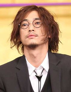Eyeglasses, Hair Cuts, Hair Beauty, Handsome, Hairstyle, Mens Fashion, Actors, Guys, Model