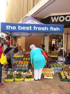 False advertising in South Africa ©Mina Choi * Cape Town False Advertising, Have A Laugh, Afrikaans, Funny Signs, Cape Town, South Africa, Coastal, Spaces, Bar