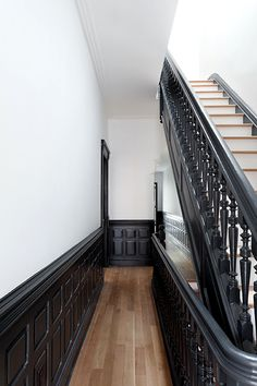 4 Mind Blowing Cool Tips: Wainscoting Mudroom Woodwork wainscoting ideas bathroom.Wainscoting Styles Benjamin Moore wainscoting staircase entry ways.Wainscoting Staircase Entry Ways. Interior Architecture, Interior And Exterior, Interior Design, Black Trim Interior, Exterior Doors, Deco Design, Stairways, My Dream Home, Interior Inspiration