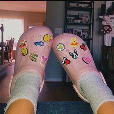 Do you like charms on your crocs or do you like them plain? Pink Crocs, Crocs Shoes, Shoes Sneakers, Shoes Heels, Pumps, Cute Shoes, Me Too Shoes, Crocs Fashion, Croc Charms