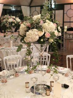 Les Fleurs d'Agrippine// Centre de table haut, fleurs naturelles pour mariage dans un verre martini - Les Fleurs d'Agrippine