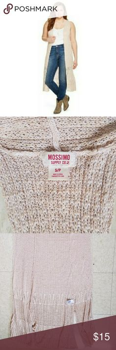 Full Length Boho Cardigan Cute boho beige colored cardigan. Long length. Very lght wear.    Or would it be a duster? If anyone has a better title suggestion please comment!🙈 Mossimo Supply Co Sweaters Cardigans