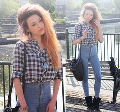 High waisted jeans boots