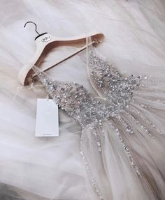 2019 Trendy Prom Dresses Today we are going to talk about an exciting topic. Yes, the topic is prom dresses! As you know that, prom time is approaching. Hoco Dresses, Dance Dresses, Pretty Dresses, Homecoming Dresses, Beautiful Dresses, Formal Dresses, Split Prom Dresses, Grad Dresses Short, Event Dresses