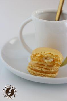 Macarons de Crema de Limón y Crujiente de Chocolate Blanco