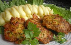 Zucchini Puffer, Curry, Hungarian Recipes, Meatloaf, Tandoori Chicken, Smoothies, Chicken Recipes, Good Food, Food And Drink