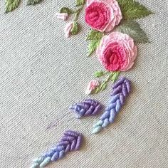 silk ribbon embroidery designs and techniques Embroidery Flowers Pattern, Hand Embroidery Stitches, Silk Ribbon Embroidery, Embroidery Hoop Art, Crewel Embroidery, Hand Embroidery Designs, Embroidery Techniques, Cross Stitch Embroidery, Embroidery Tattoo