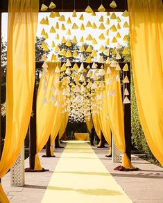 Wedding Mehendi Decorations that are trending! wedding decorations New Mehendi Decor trends this wedding season! Desi Wedding Decor, Wedding Hall Decorations, Wedding Mandap, Backdrop Decorations, Yellow Wedding Decor, Yellow Party Decorations, Wedding Walkway, Wedding Reception Backdrop, Background Decoration