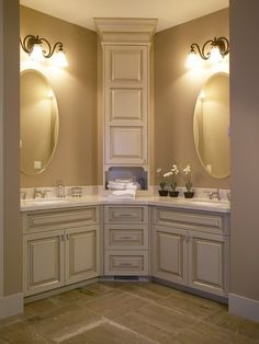 Corner Vanity Design Ideas, Pictures, Remodel, and Decor - page 7 for master bath, river house Spa Bathroom Design, Bathroom Spa, Bathroom Renos, Bathroom Renovations, Small Bathroom, Master Bathroom, Home Remodeling, Spa Design, Bathroom Ideas