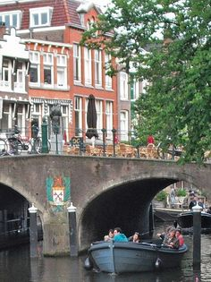 DAYS OUT: SIGHTSEEING EXCURSIONS & GUIDED TOURS including canal or harbour boat trips, walking and cycling tours in Rotterdam, Delft, The Hague, Leiden (pictured), Gouda, Dordrecht, Kinderdijk (Zuid-Holland) can be found here https://www.angloinfo.com/south-holland/directory/south-holland-days-out-trips-tours-261