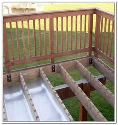 Building A Deck 793196553100900352 - Exceptional Waterproof Under Deck Storage Under Deck Ideas Under Deck Storage Waterproof Source by eddydebienne Under Deck Roofing, Under Deck Storage, Laying Decking, Under Decks, Deck Construction, House With Porch, House Roof, Deck Railings, Deck Stairs