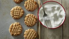 Cake Mix Peanut Butter Cookies recipe and reviews - Make homemade cookies the new-fashioned way! Cake mix gives you a quick start.