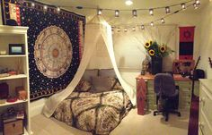 I love the bedspread-sunflowers-string lights combo