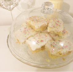 Sponge Cake with Icing and Hundred and Thousands – School style! Who remembers this cake from school? This cake is something I remember each time I think of my school day's. My husband …