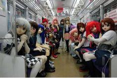 Doll in metro - Dago fotogallery