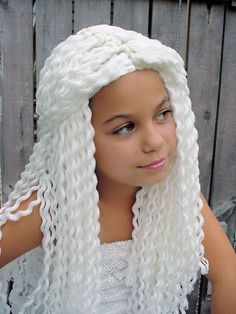 HELE MOOIE PRUIK Love Making wigs with Yarn.I say do not just make a yarn wig.make one you would wear yourself. Crochet Crafts, Crochet Toys, Knit Crochet, Love Crochet, Crochet For Kids, Yarn Wig, Diy Wig, Crochet Costumes, Wig Hat