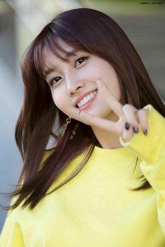 Momo - Twice ❤️ Kpop Girl Groups, Korean Girl Groups, Kpop Girls, Asian Woman, Asian Girl, Oppa Gangnam Style, Rapper, Sana Momo, Twice Kpop