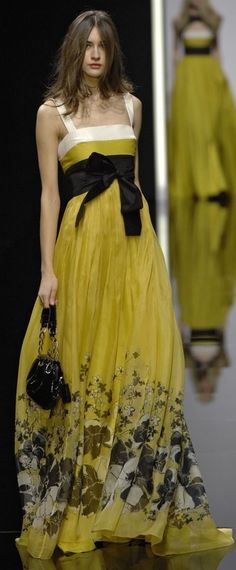 Elie Saab - wow, this is gorgeous!