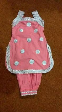 for a lil missey Baby Girl Dress Design, Girls Frock Design, Baby Frocks Designs, Kids Frocks Design, Kids Dress Wear, Little Girl Dresses, Kids Blouse Designs, Baby Girl Frocks, Baby Girl Dress Patterns