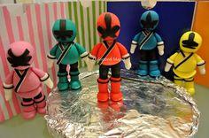 Dolcezze e Magia: Power Rangers Cake Bolo Power Rangers, Power Rangers Samurai, Power Ranger Cake Toppers, Cartoon Cookie, Power Ranger Birthday, Fondant Animals, Fondant Cake Toppers, Fondant Tutorial, Star Wars Party