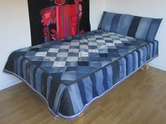 Jeans quilt - diamonds and stripes -- I REALLY like this Denim quilt!! --