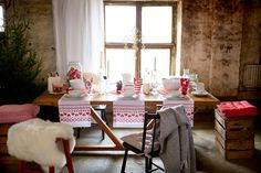 #kodin1 #anno #joulu #kattaus #ruokailutila #talja #tekstiilit