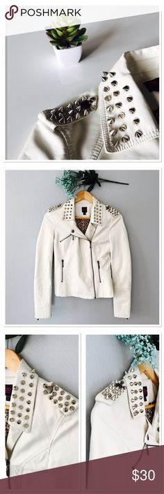 Bebe faux moto jacket In great condition! No flaws. Size says XS but it would also fit a S . Measurements: Length 21.5 in , bust 15 in flat ( 30 in round) sleeves 23.5 in . Color is cream off-white! Feel free to ask questions or make a reasonable offer  🤗 bebe Jackets & Coats