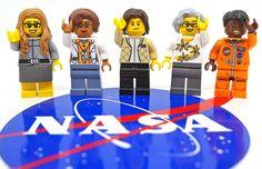 The Women of NASA Lego set will include minifigures modeled after computer scientist Margaret Hamilton, mathematician Katherine Johnson, astronaut Sally Ride, astronomer Nancy Grace Roman and astronaut Mae Jemison. Margaret Hamilton, Impression 3d, Banksy, Figurine Lego, Stylo 3d, Katherine Johnson, Roman, Hidden Figures, Action Figures