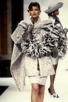 Linda Evangelista for 1992 Christian Dior, Autumn-Winter Couture